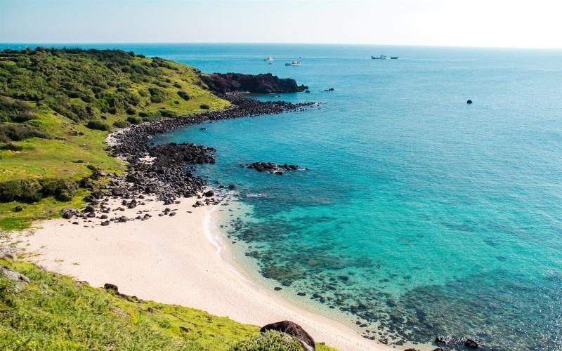 Lý do khiến bạn phải du lịch đảo Phú Quý ngay mùa hè này